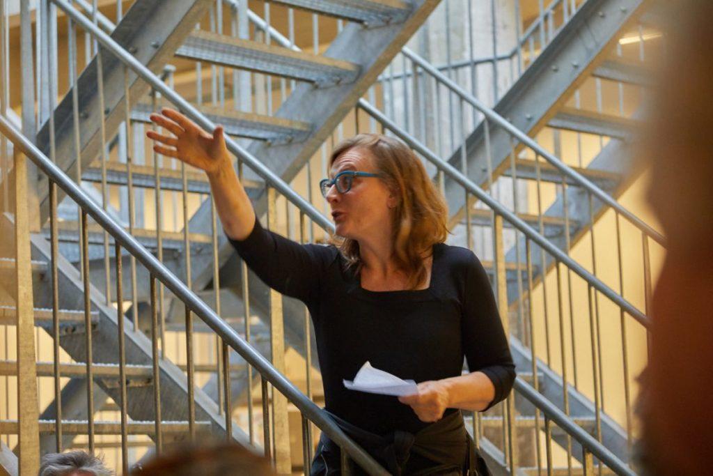 Opening door Jacqueline Kooter (foto: Jan Theun van Rees)